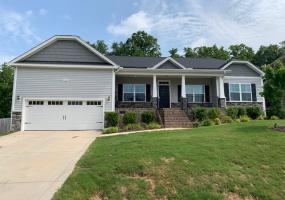 164 Sprucepine Clayton,North Carolina 27520,5 Bedrooms Bedrooms,3 BathroomsBathrooms,House,Sprucepine,1110