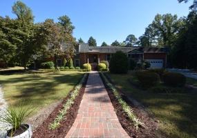 2121 Powell Dr Clayton,North Carolina 27520,4 Bedrooms Bedrooms,3 BathroomsBathrooms,House,Powell Dr,1047