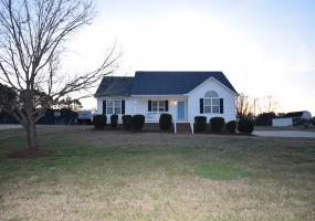 156 Gordon Farm Dr Benson,North Carolina 27504,3 Bedrooms Bedrooms,2 BathroomsBathrooms,House,Gordon Farm Dr,1061
